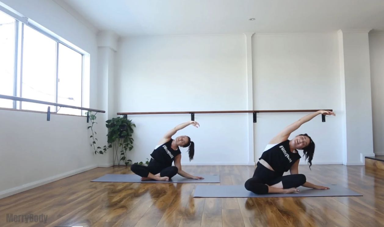 side-body-lengthening-yoga-merrybody-studio