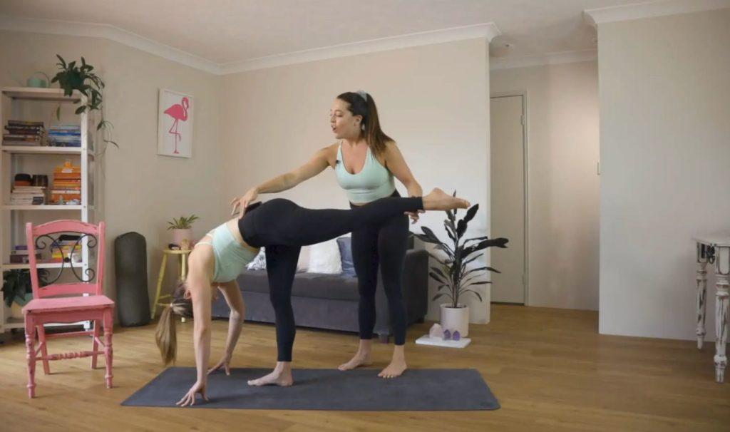standing-splits-tutorial-merrybody